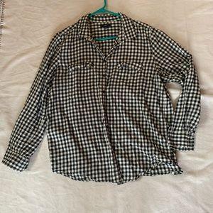 Woman's GAP long sleeve shirt